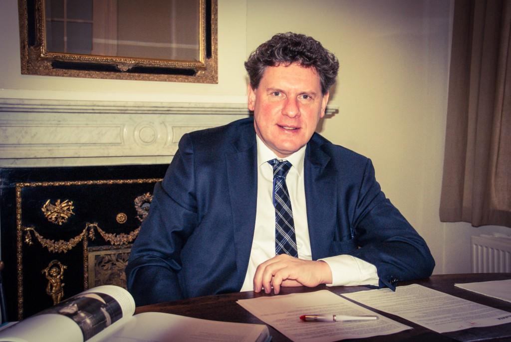 Prof. Dr. Eric Van Hooydonk